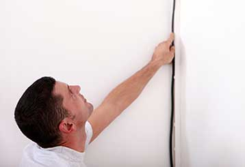 Why You Should Consider Replacing Your Old Wallpaper | Drywall Repair & Remodeling Calabasas, CA
